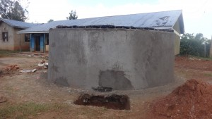 The Water Project : 14-kenya4677-tank-construction