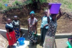 The Water Project : 14-kenya4728-clean-water