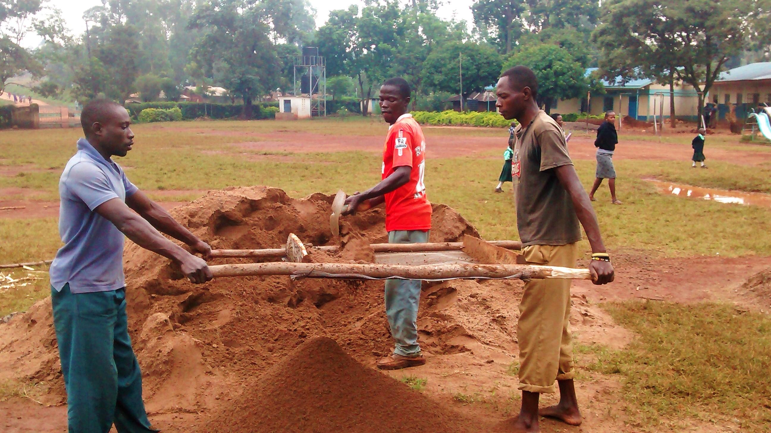 15 kenya4674 preparing dirt