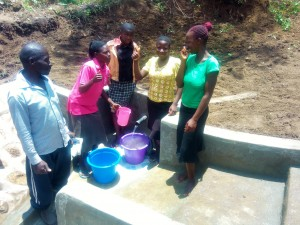 The Water Project : 15-kenya4728-clean-water