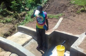 The Water Project : 16-kenya4737-clean-water