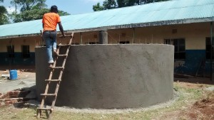The Water Project : 18-kenya4674-tank-construction