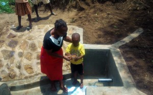 The Water Project : 18-kenya4728-clean-water