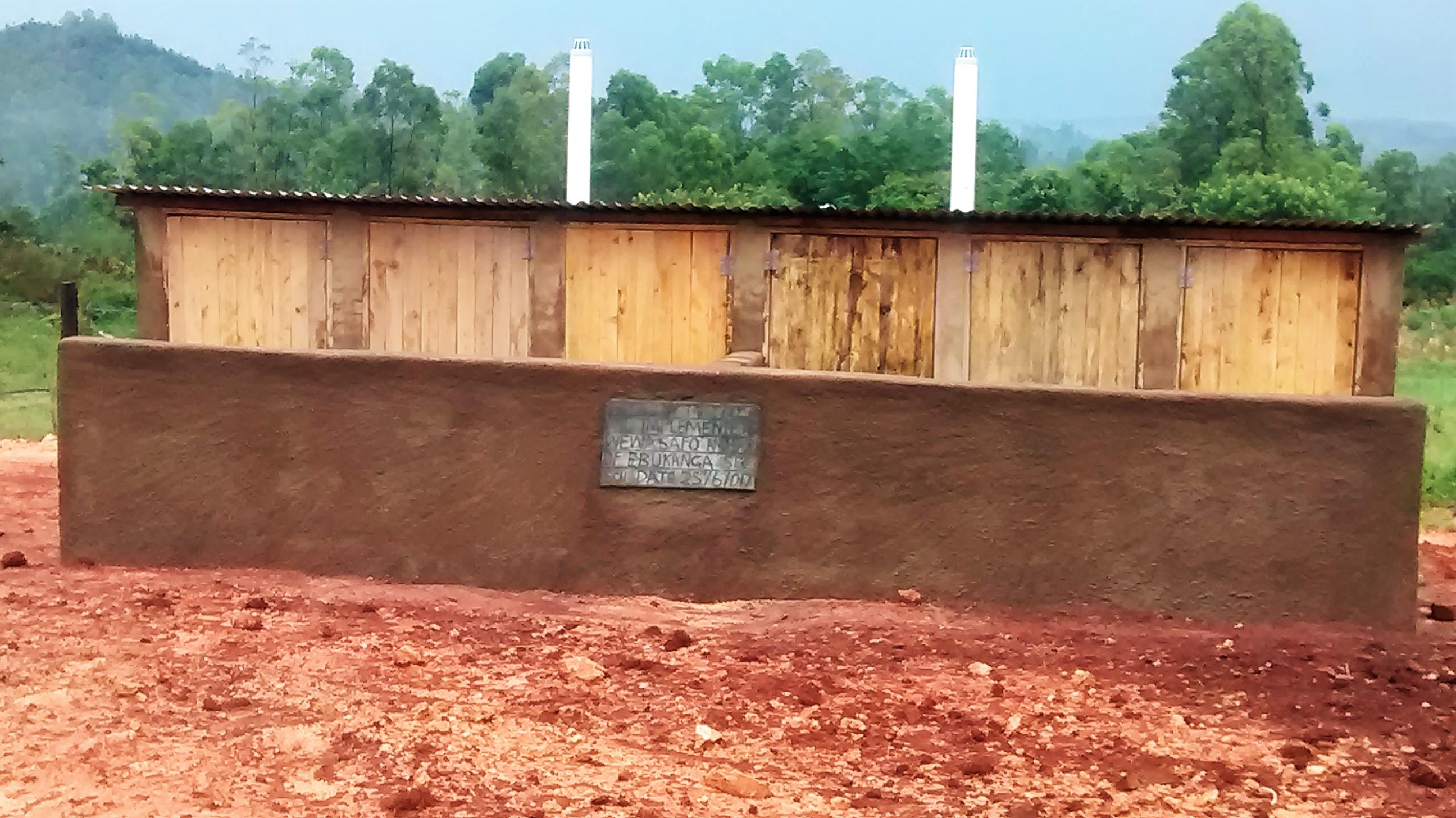 19 kenya4667 new latrines