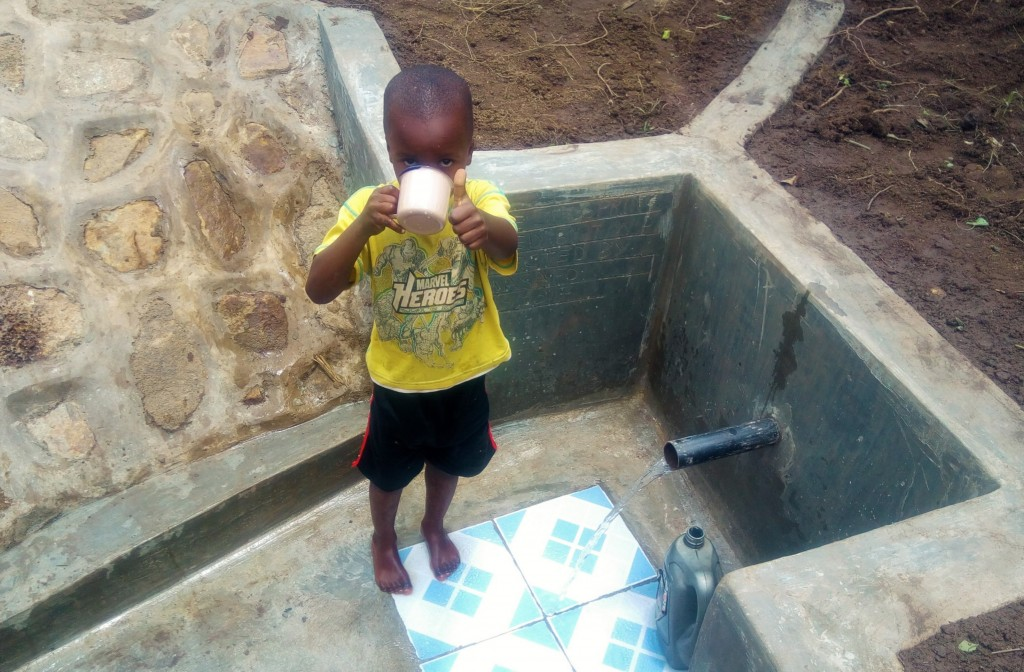 The Water Project : 19-kenya4728-clean-water
