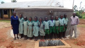 The Water Project : 20-kenya4677-clean-water