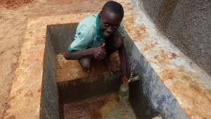 The Water Project : 21-kenya4677-clean-water