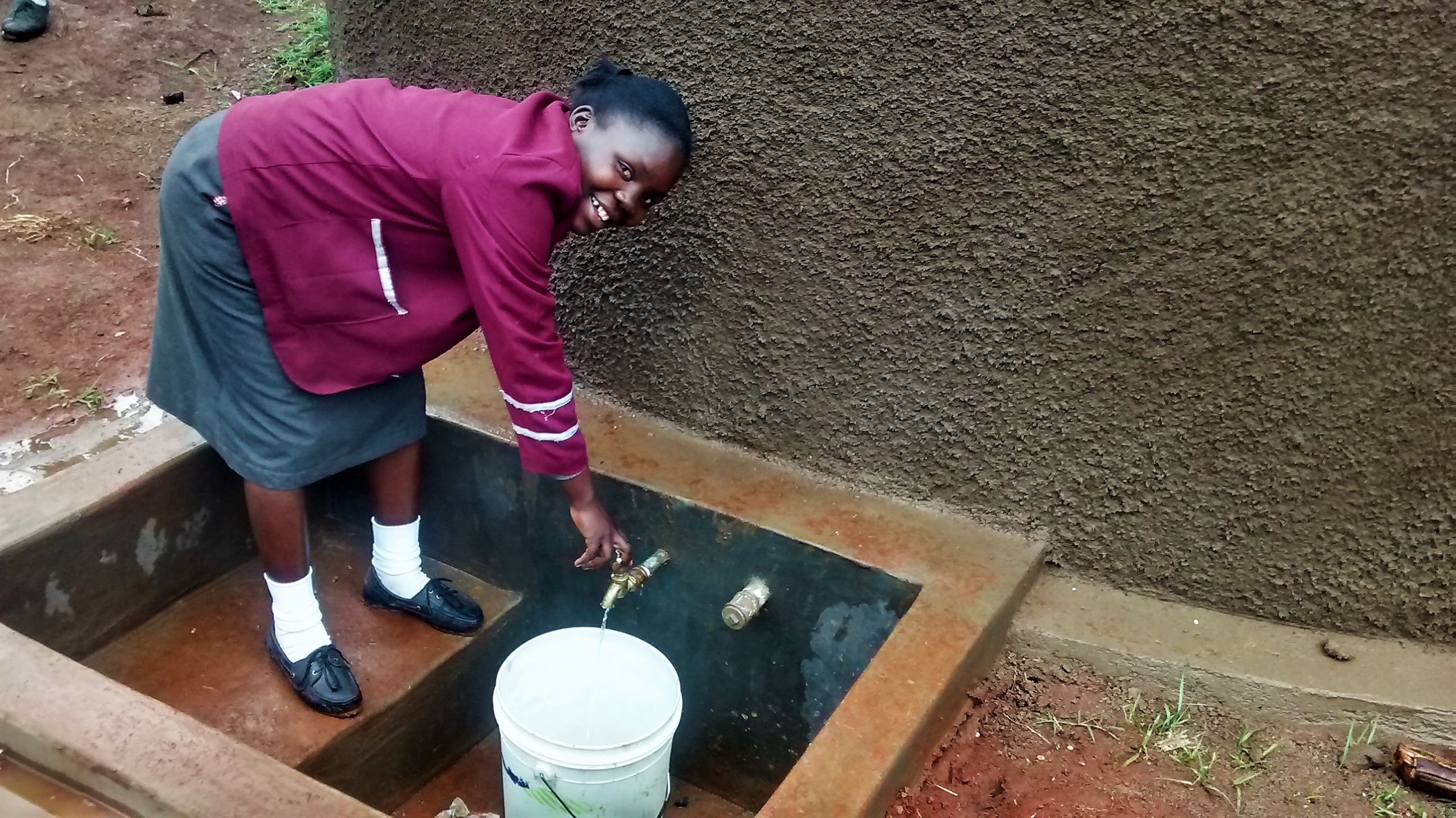 The Water Project : 22-kenya4667-clean-water