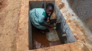 The Water Project : 23-kenya4677-clean-water