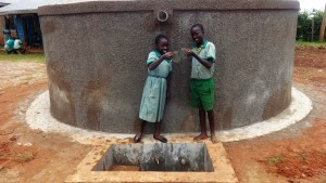 The Water Project : 24-kenya4677-clean-water