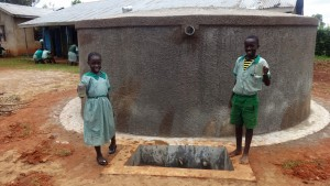 The Water Project : 25-kenya4677-clean-water