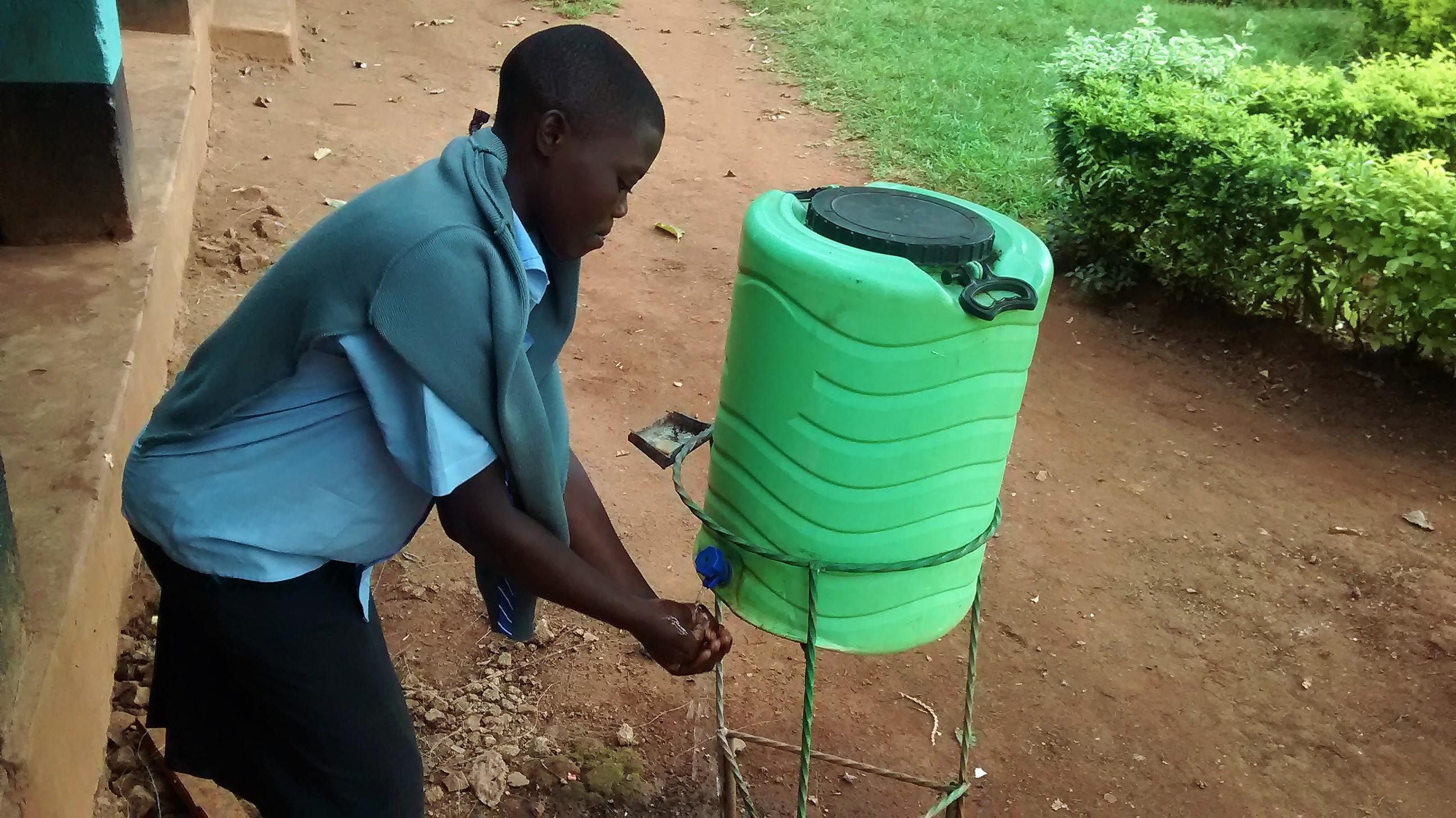 4 kenya4667 hand-washing