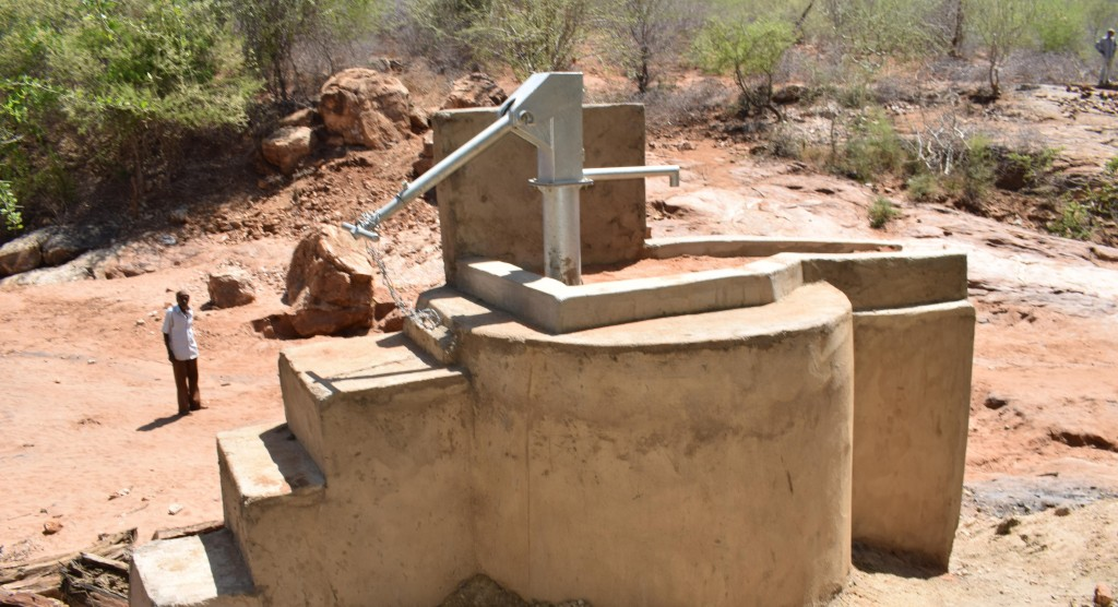 The Water Project : 4-kenya4779-finished-well