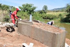 The Water Project : 5-kenya4785-well-construction