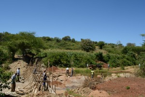 The Water Project : 7-kenya4765-construction