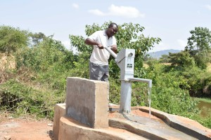 The Water Project : 7-kenya4785-clean-water