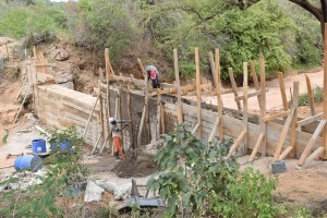 The Water Project : 9-kenya4772-construction