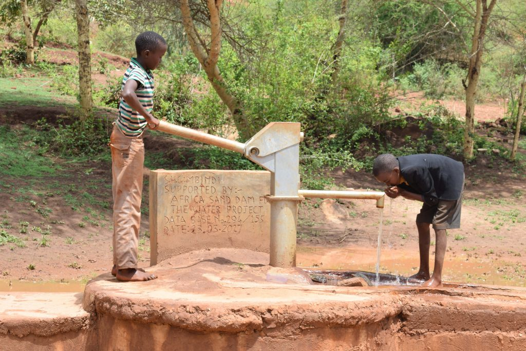 The Water Project : 1-kenya4777-clean-water