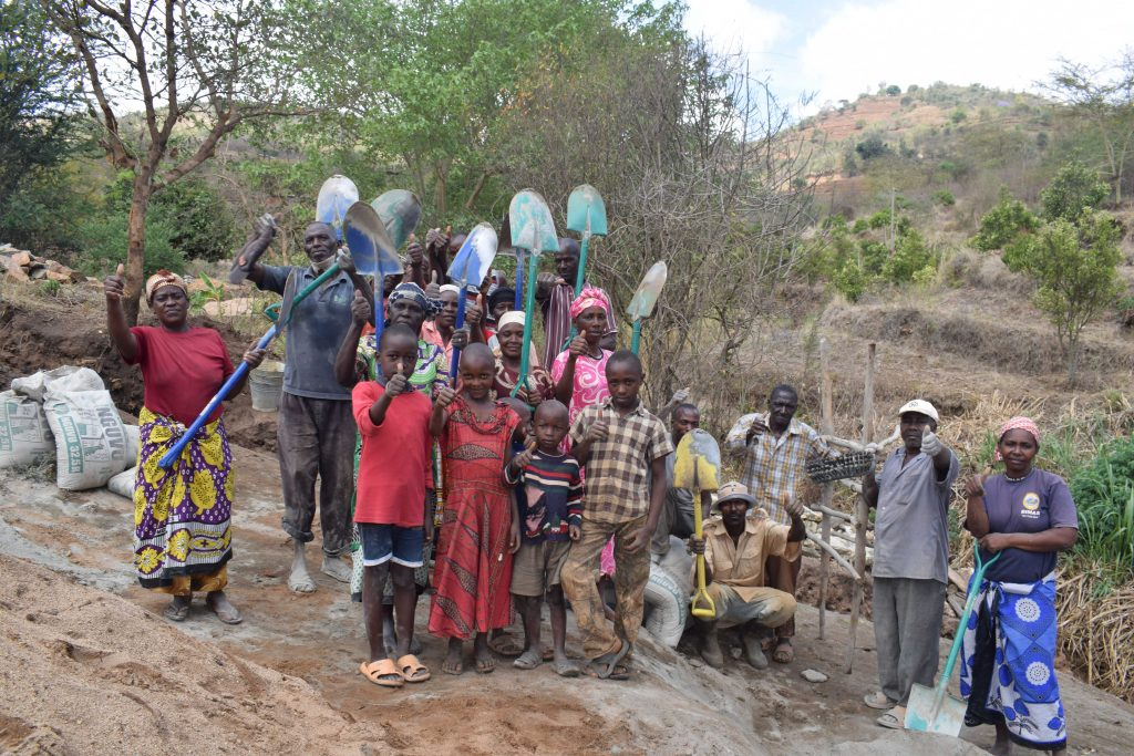 The Water Project : 1-kenya4862-community-members-ready-with-their-tools