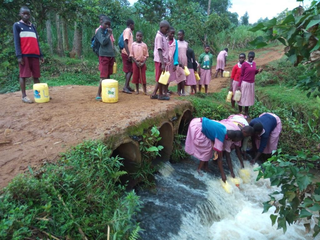 The Water Project : 2-kenya4686-current-water-source