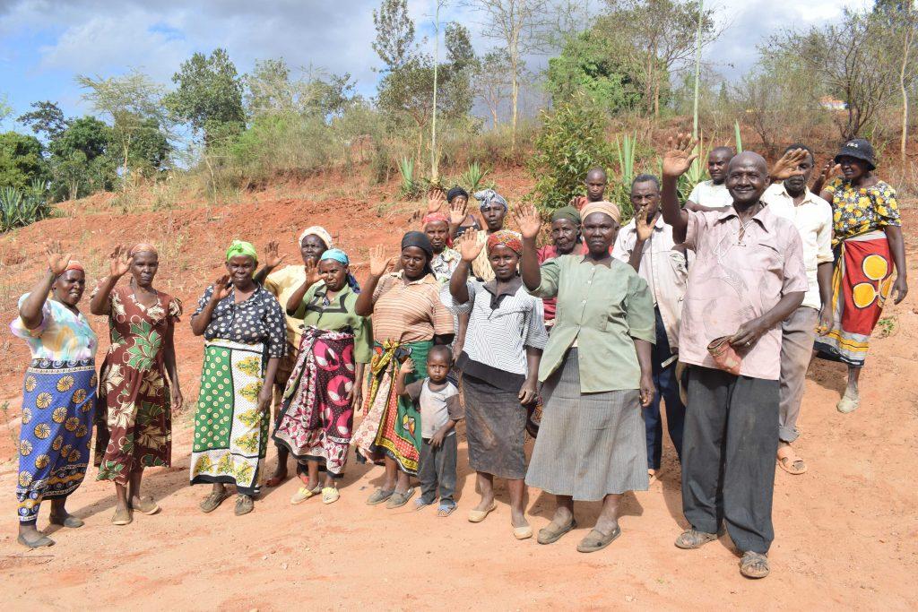 The Water Project : 2-kenya4859-community-members