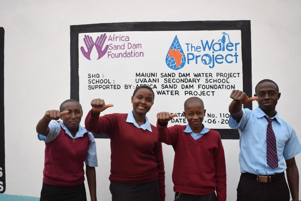 The Water Project : 22-kenya4801-finished-tank