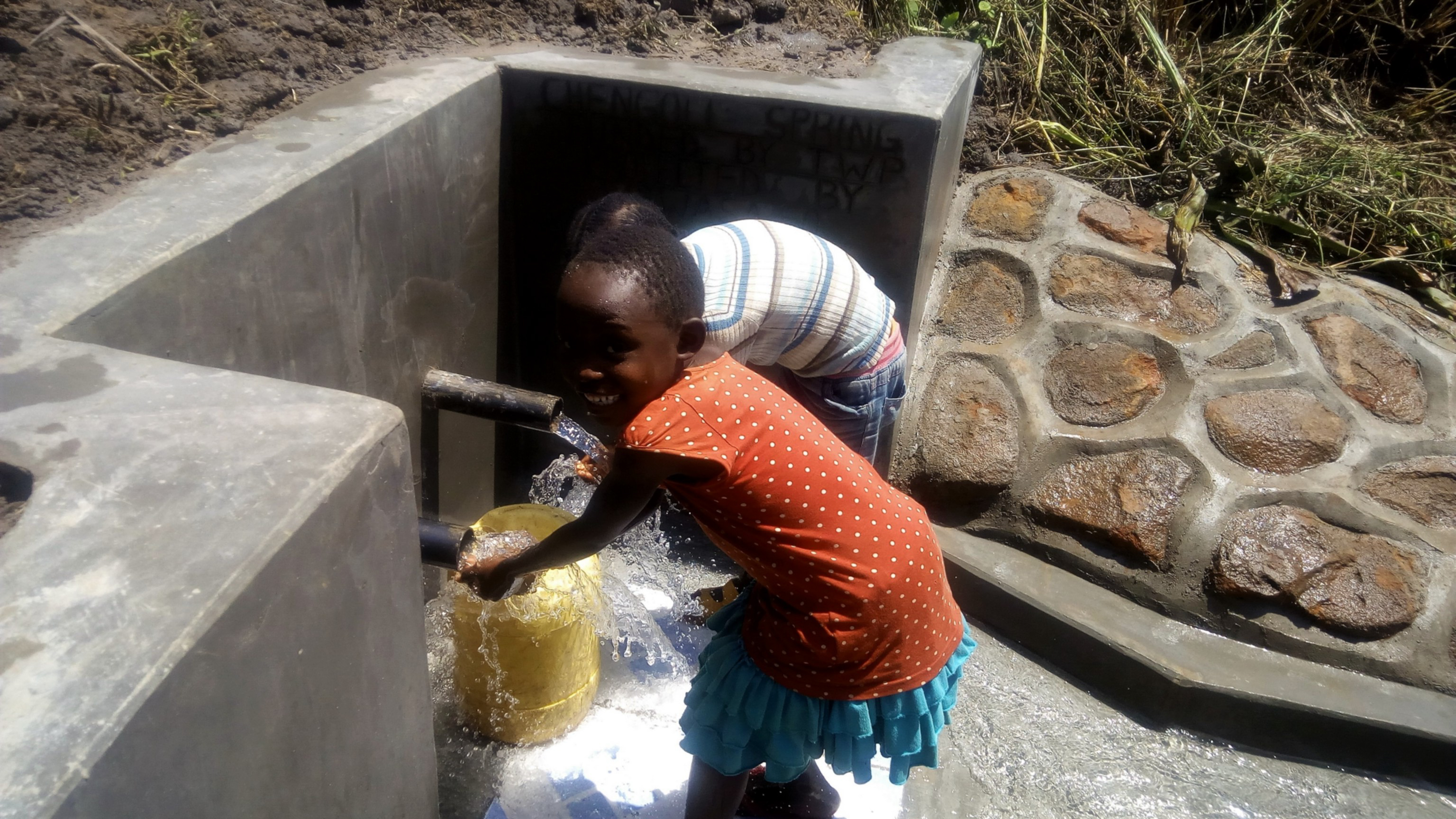 The Water Project : 22-kenya4848-clean-water