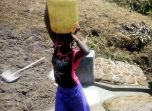 The Water Project : 26-kenya4848-clean-water