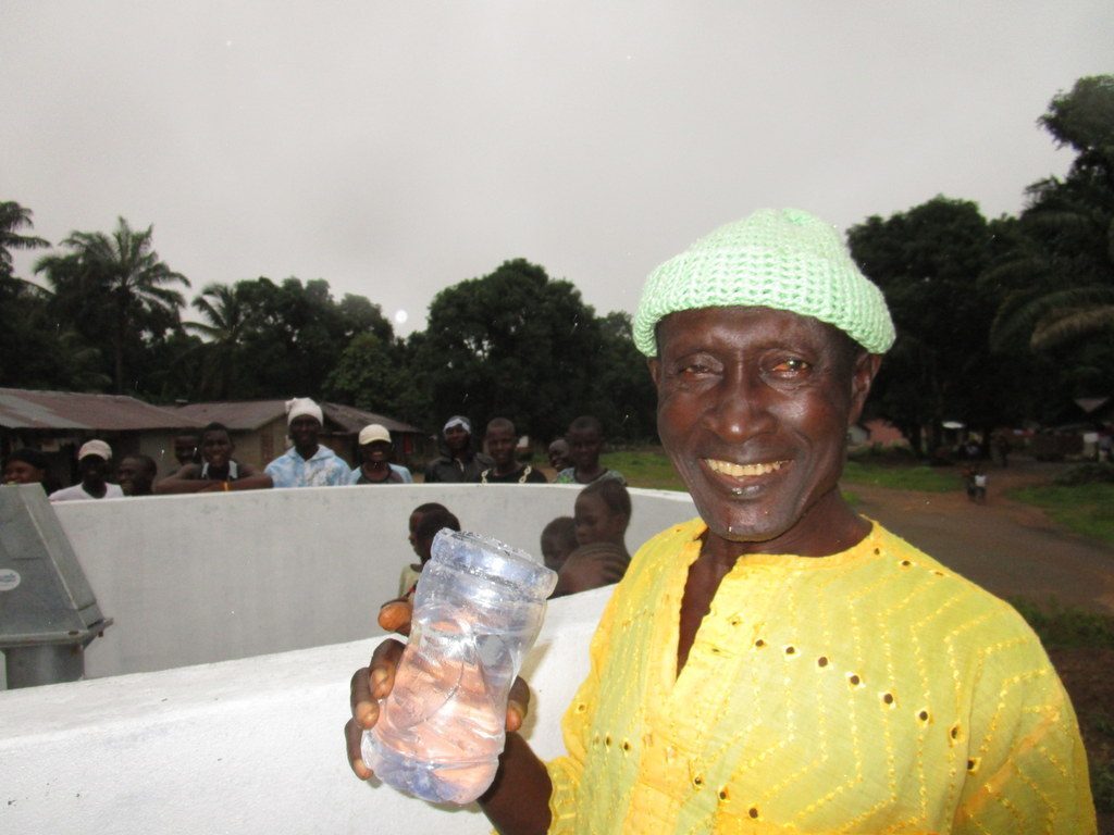 The Water Project : 26-sierraleone5123-clean-water