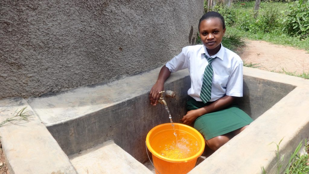 The Water Project : 3-kenya4669-clean-water