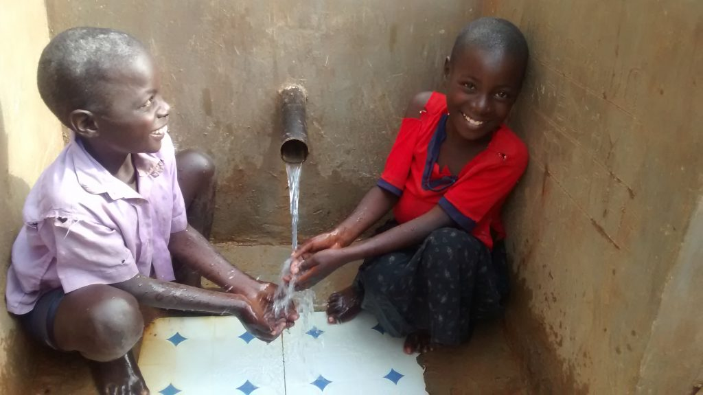 The Water Project : 30-kenya4852-clean-water