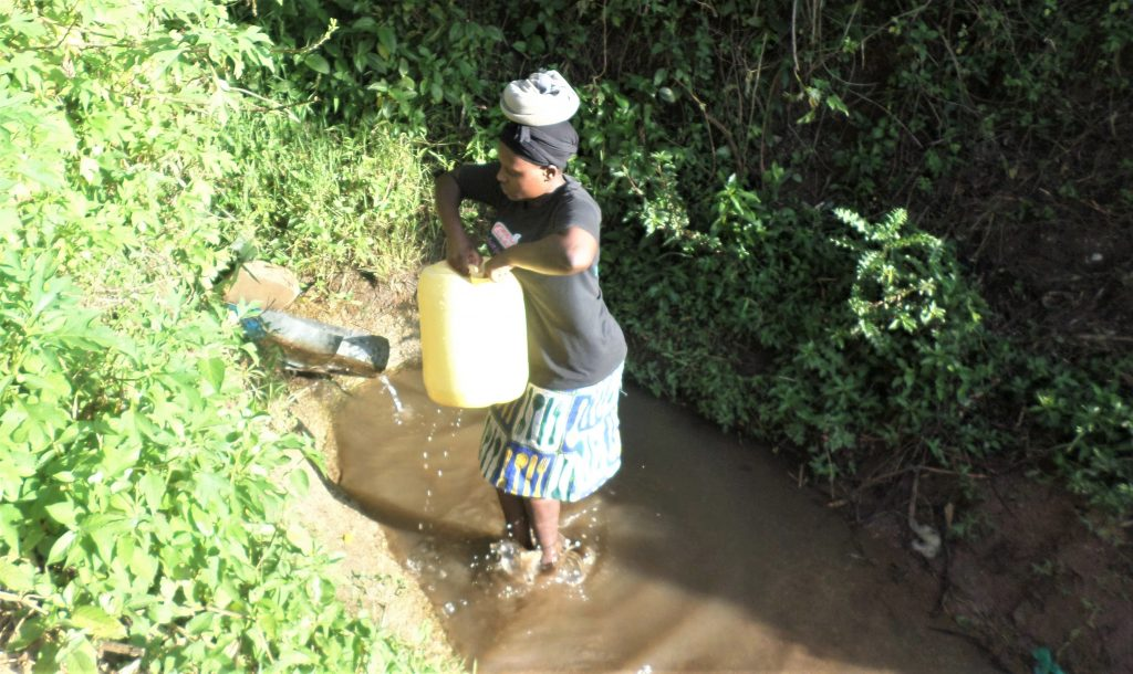 The Water Project : 5-kenya4753-carrying-water