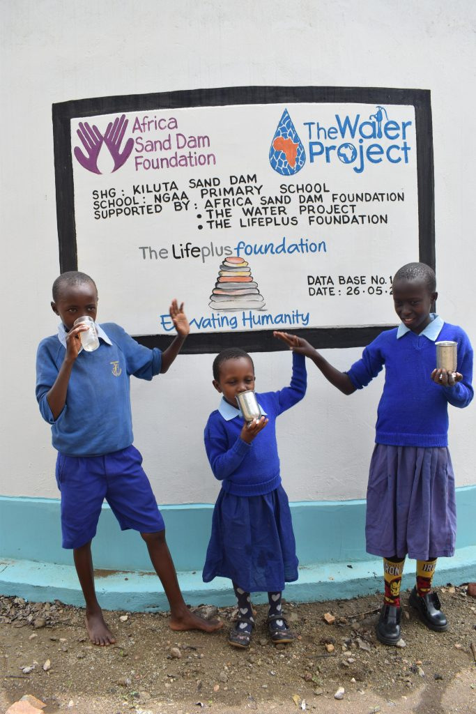The Water Project : 5-kenya4797-clean-water