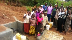 The Water Project : 16-kenya4729-clean-water