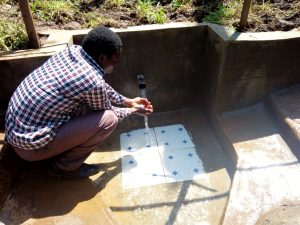 The Water Project : 18-kenya4738-clean-water