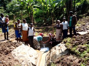 The Water Project : 20-kenya4738-clean-water