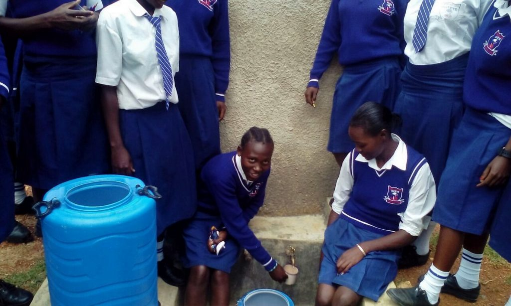 The Water Project : 21-kenya4835-clean-water