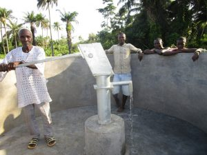 The Water Project : 21-sierraleone5130-pump-installation