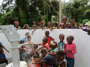 The Water Project : 24-sierraleone5130-clean-water