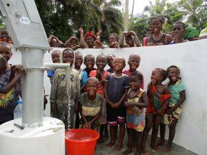 The Water Project : 28-sierraleone5130-clean-water