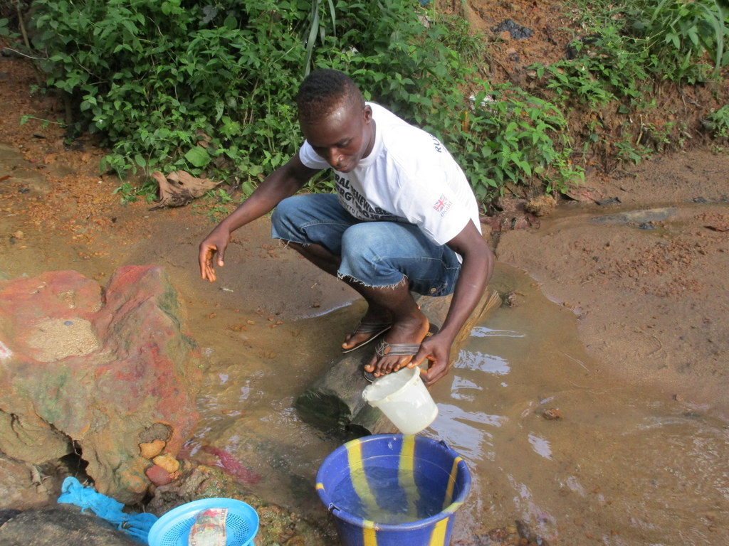 The Water Project : 3-sierraleone5134-current-water-source