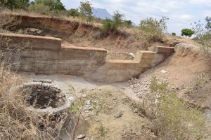 The Water Project : 6-kenya4789-well-construction