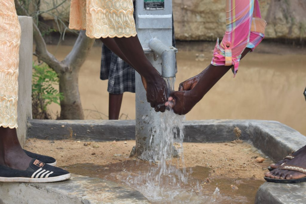 The Water Project : 7-kenya4792-clean-water