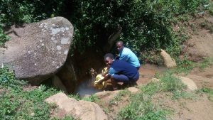 The Water Project : 10-kenya18072-fetching-water