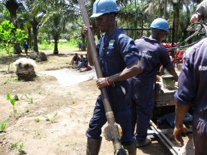 The Water Project : 15-sierraleone5132-drilling