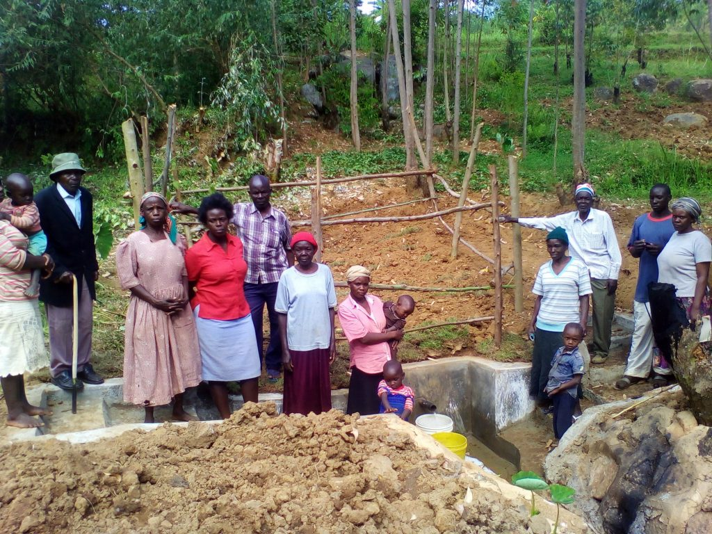 The Water Project : 16-kenya4707-clean-water