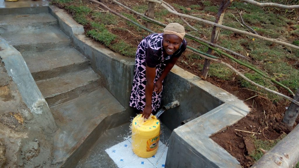 The Water Project : 17-kenya4748-clean-water