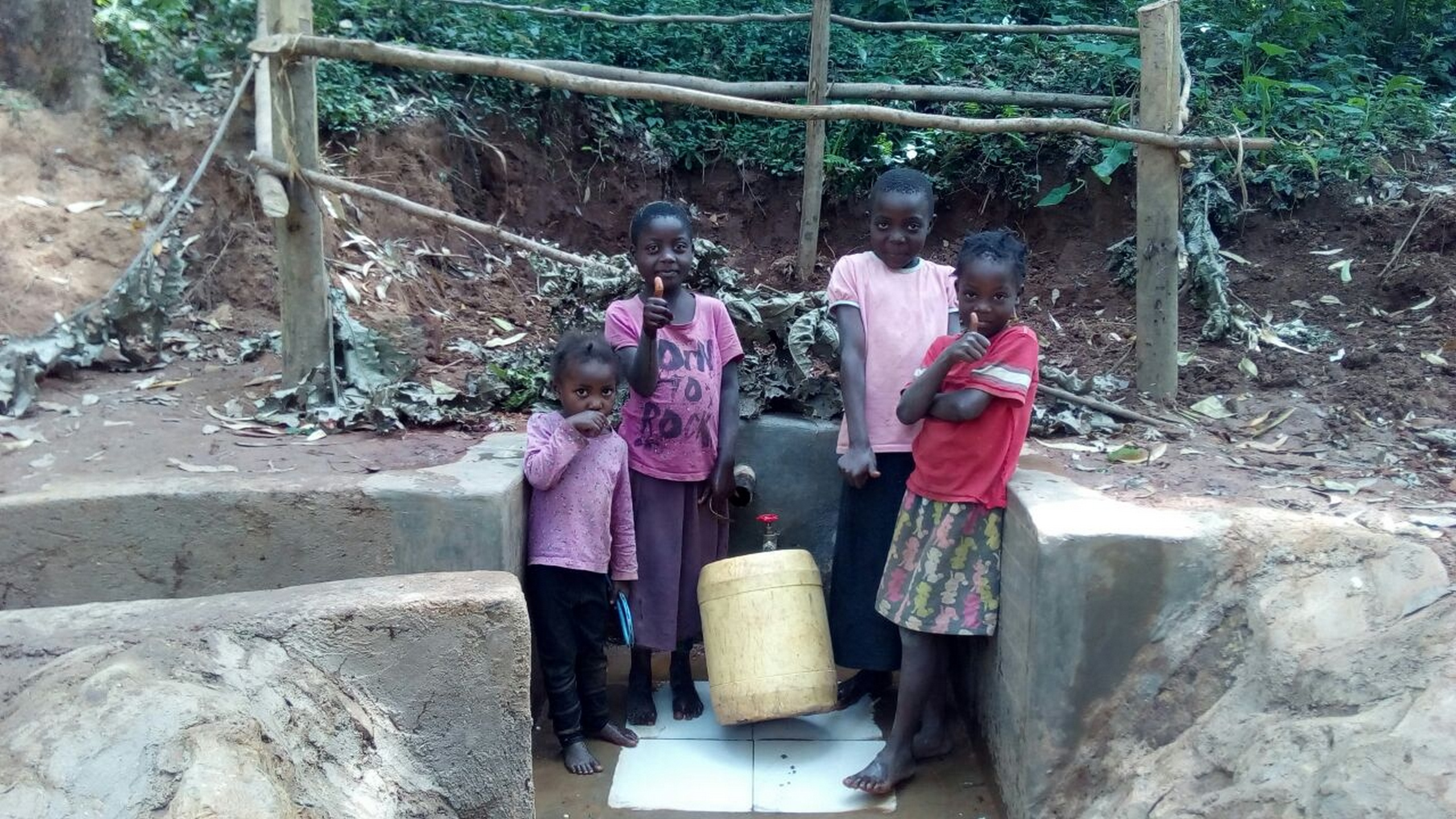 The Water Project : 18-kenya4751-clean-water