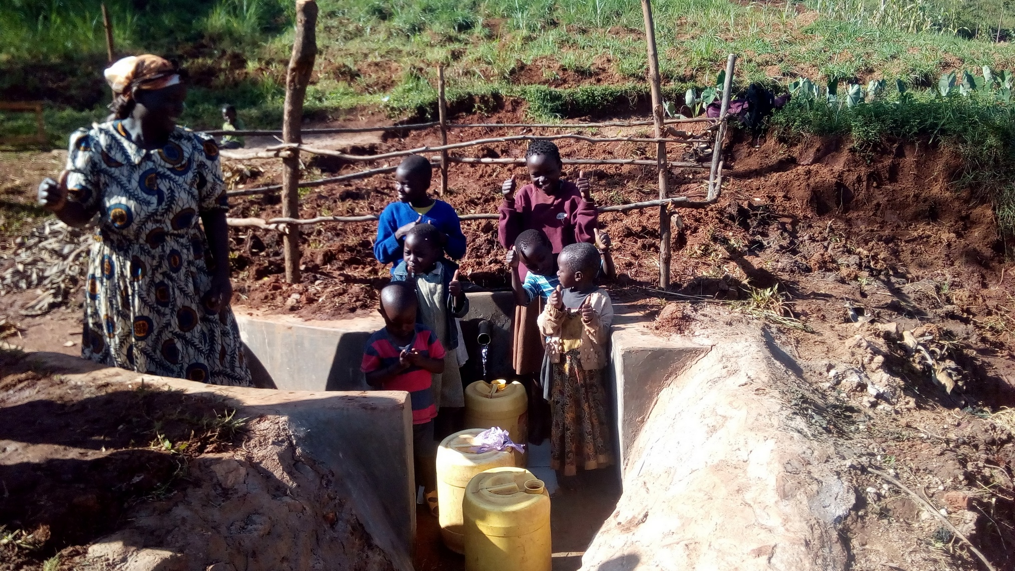 The Water Project : 18-kenya4752-clean-water
