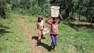 The Water Project : 19-kenya4745-clean-water